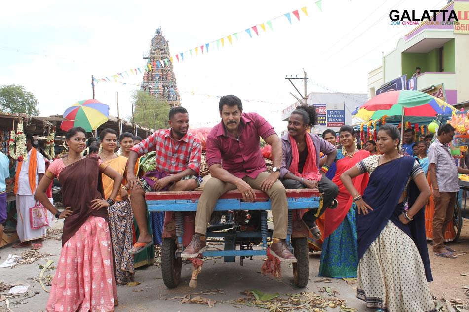 Vikram in Saamy Square