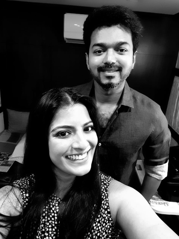 Vijay with Varalaxmi Sarathkumar for Sarkar