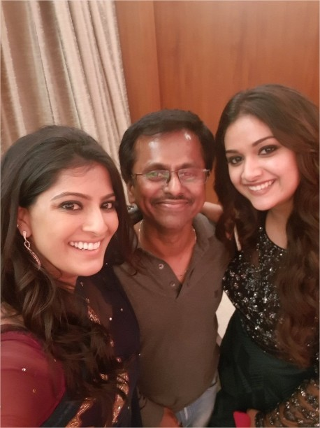 A R Murugadoss with Keerthy Suresh and Varalaxmi Sarathkumar for Sarkar