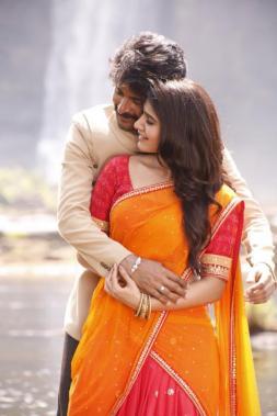 Sivakarthikeyan and Samantha in Seema Raja