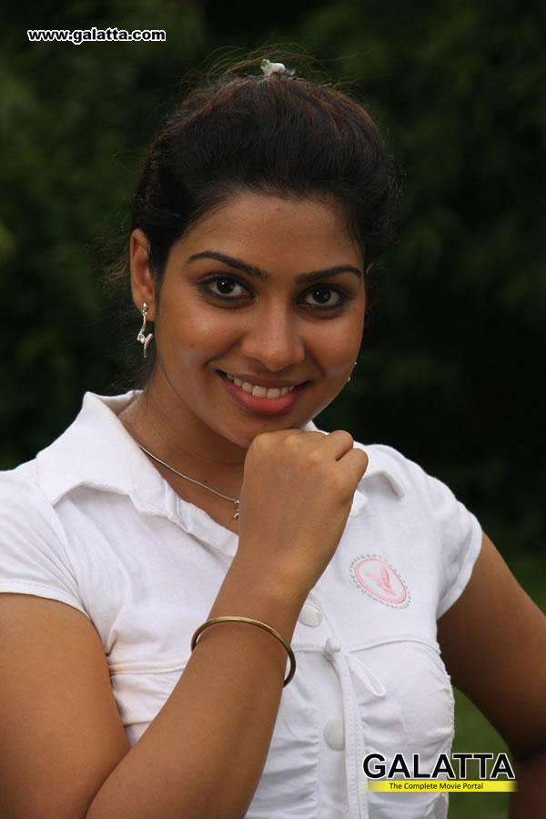 Thavani Kaatru