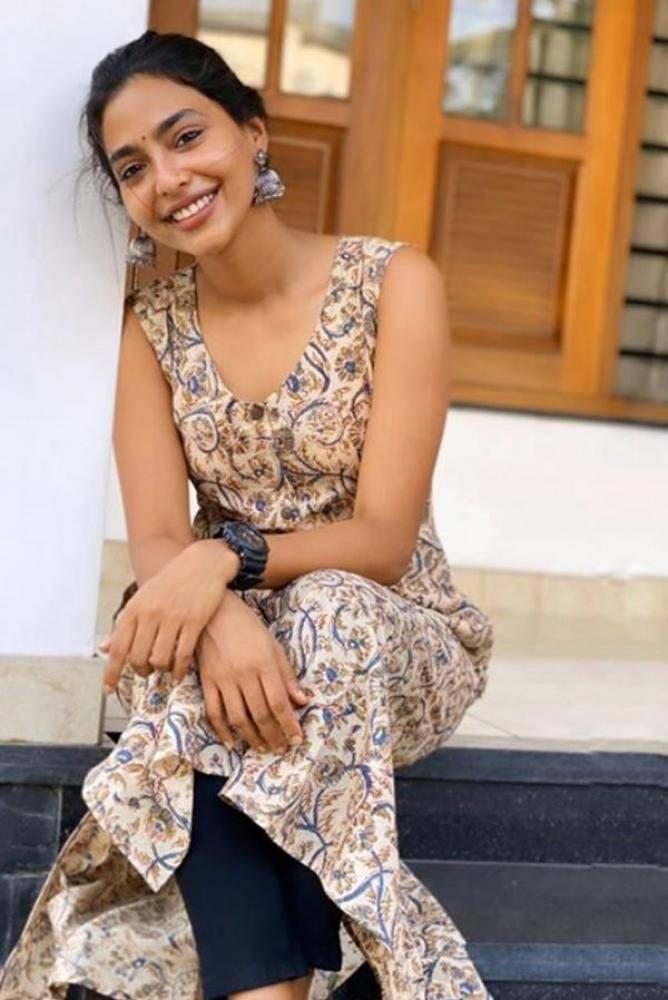 Aishwarya Lekshmi - Photos Stills Images