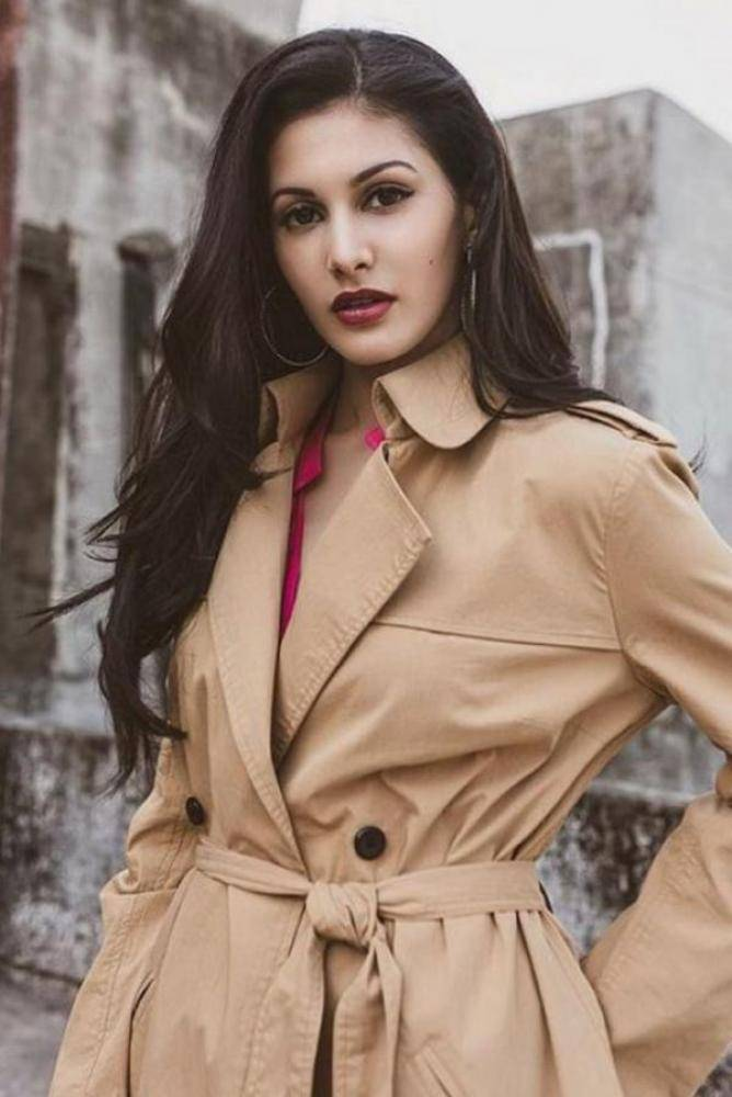 Amyra Dastur - Photos Stills Images