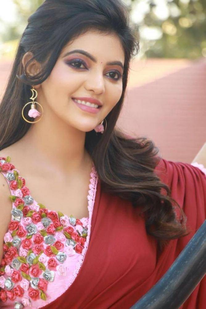 Athulya Ravi - Photos Stills Images