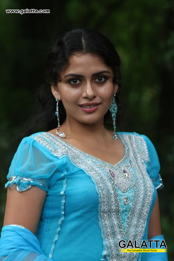 Dhanya Mary Varghese Photos