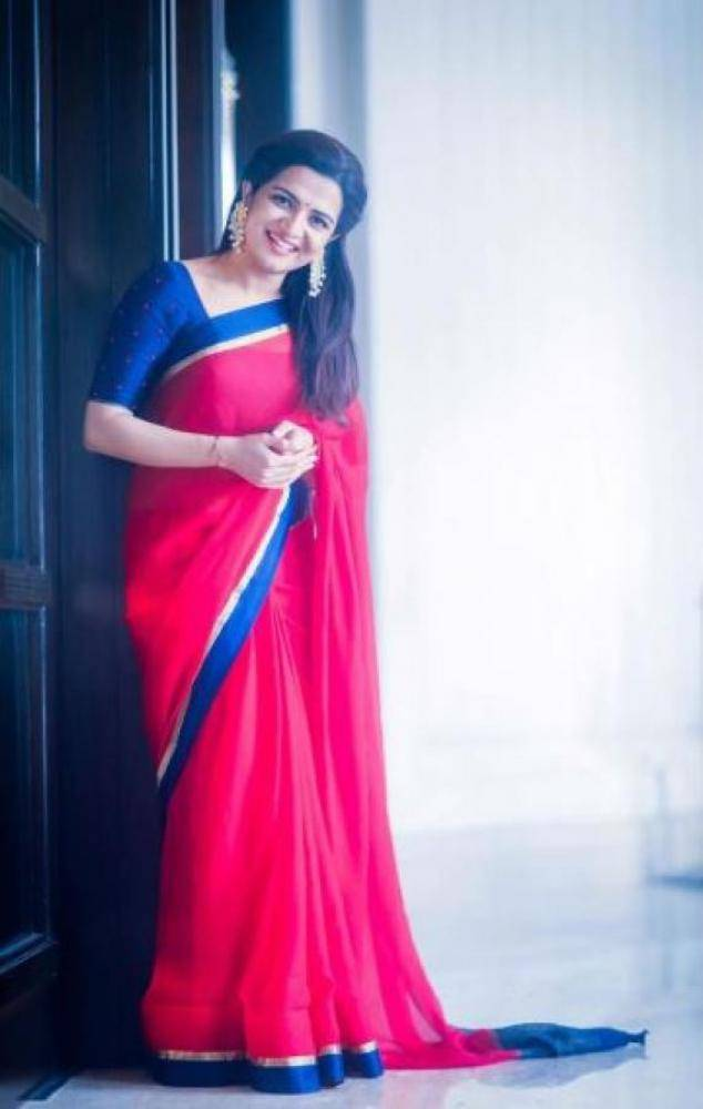 Dhivya Dharshini - Photos Stills Images