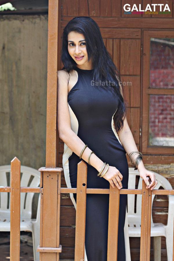 Gayathri Iyer Photos