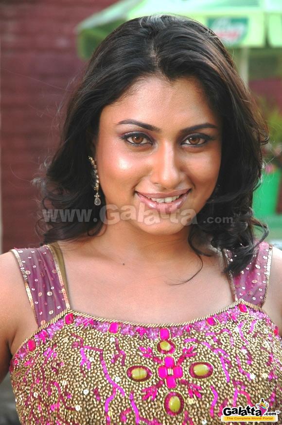 tamil actress malavika blue film videos free