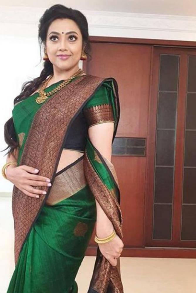Meena - Photos Stills Images