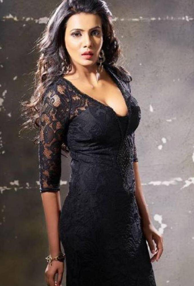 Meera Mitun - Photos Stills Images