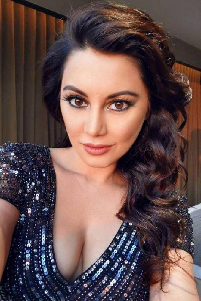 Minissha Lamba - Photos Stills Images