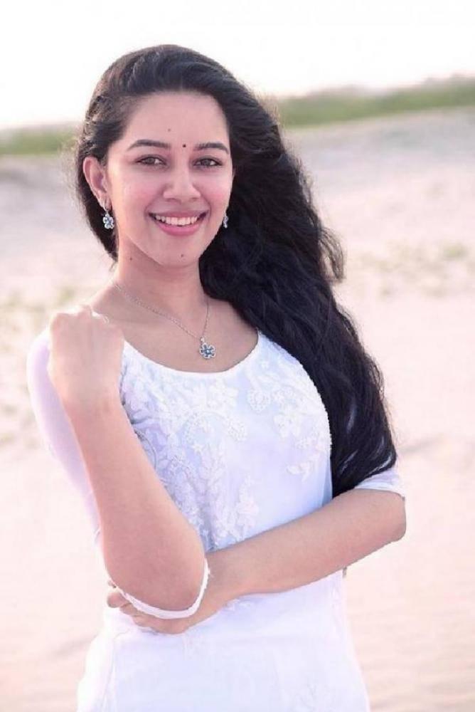 Mirnalini Ravi - Photos Stills Images