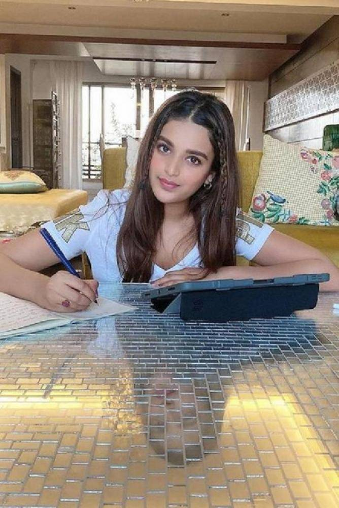 Nidhhi Agerwal - Photos Stills Images