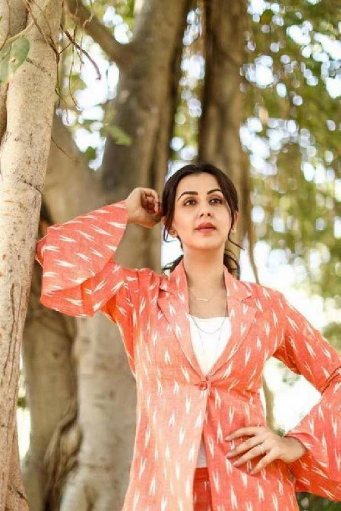 Nikki Galrani - Photos Stills Images