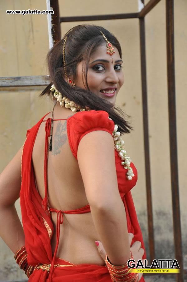 Reshmi Old