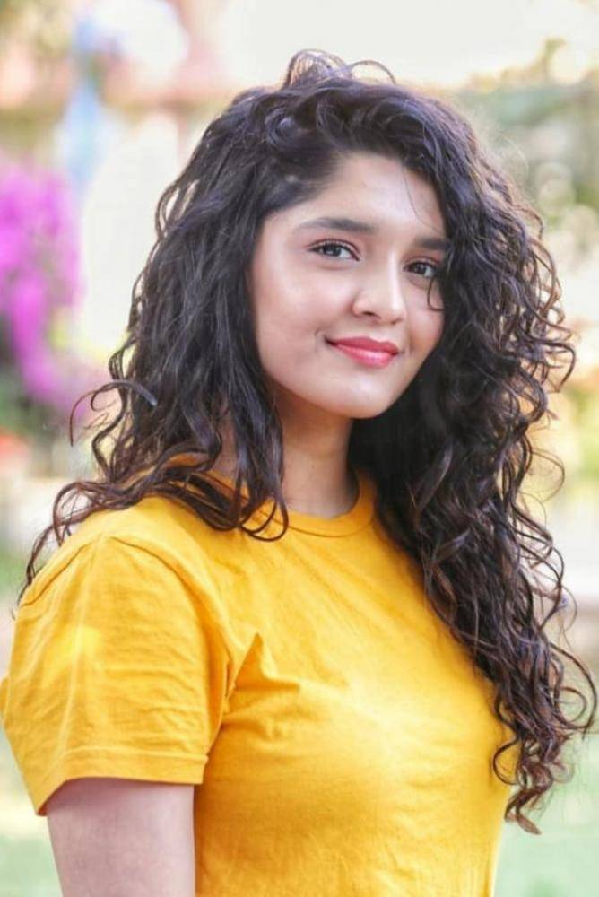 Ritika Singh - Photos Stills Images