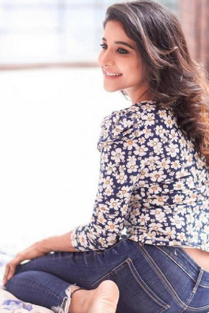 Sakshi Agarwal - Photos Stills Images