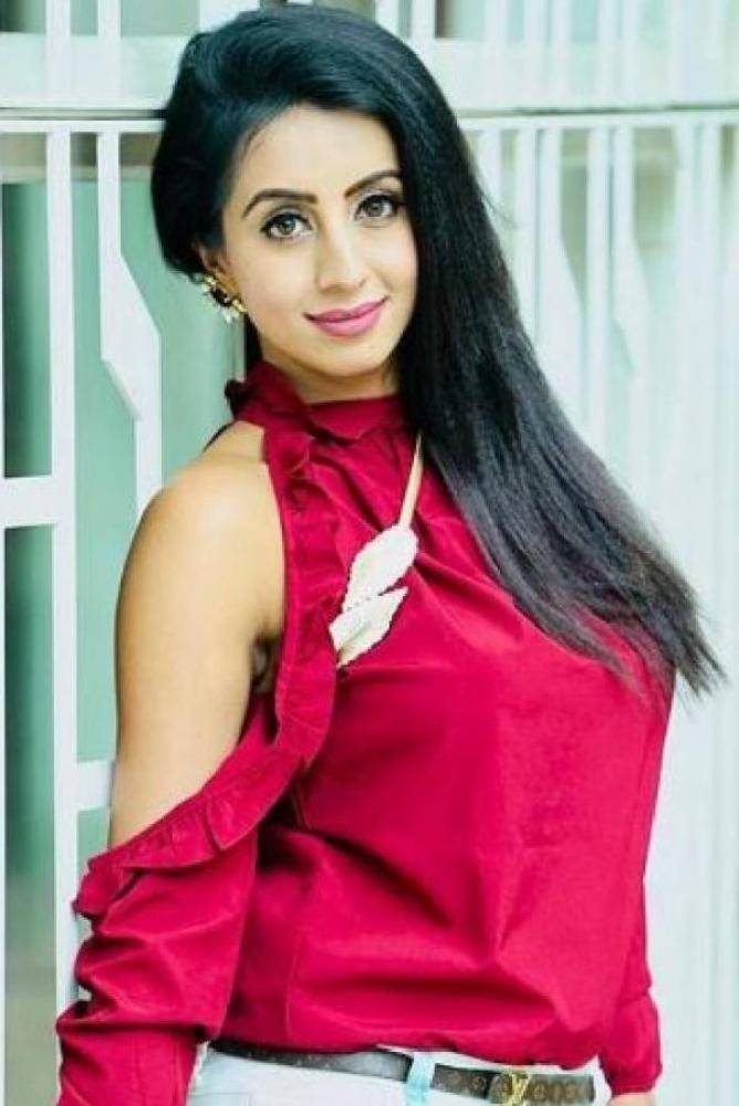 Sanjjanaa - Photos Stills Images