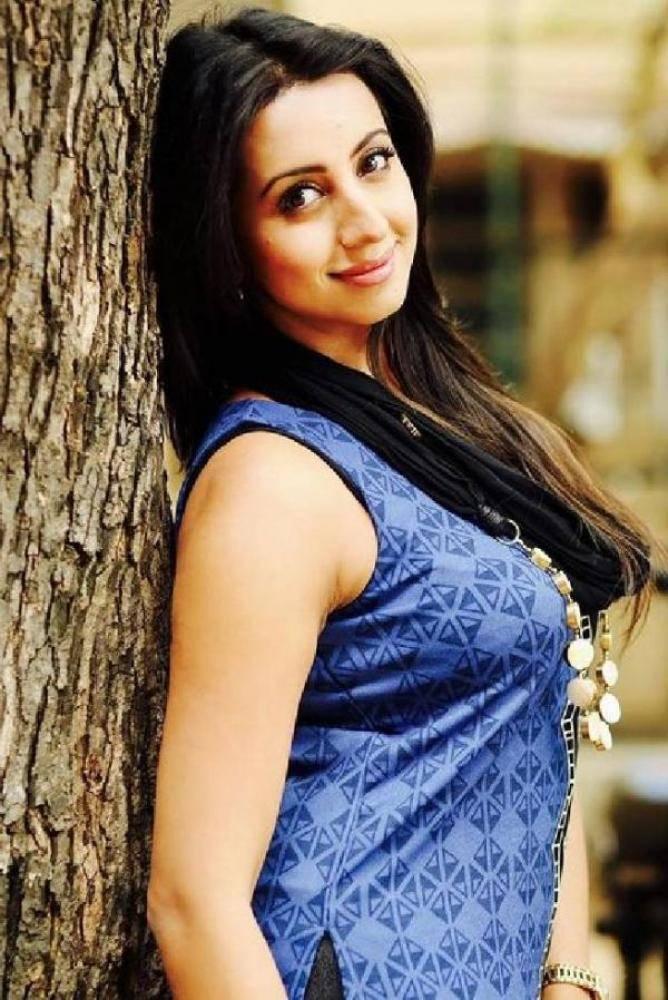 Sanjjanaa - Photos Stills Images