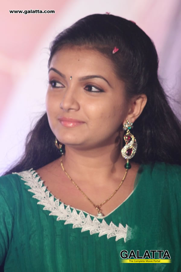 Saranya Mohan Photos