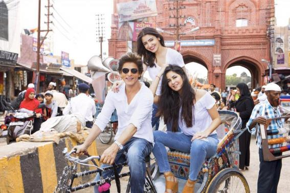Shah Rukh Khan, Anushka Sharma and Katrina Kaif at Zero shooting spot
