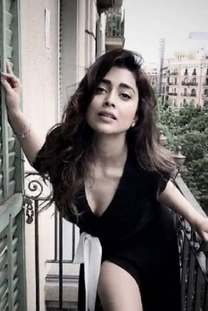 Shriya Saran - Photos Stills Images