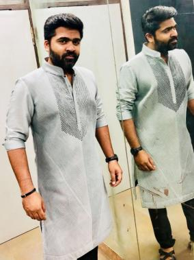 STR Simbu posing casually for a photography