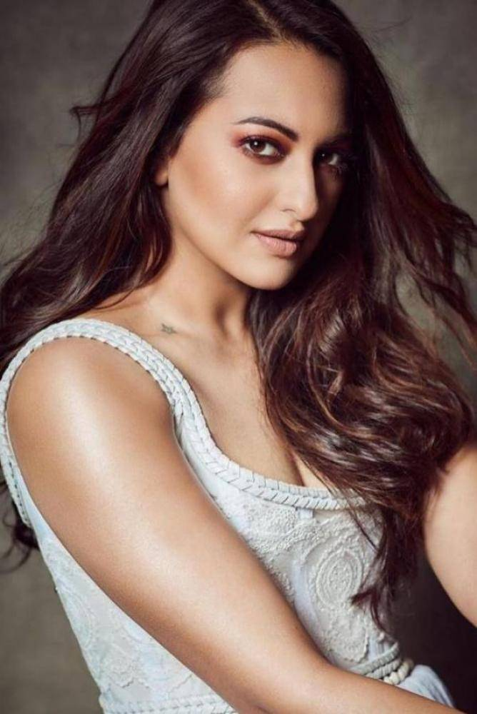 Sonakshi Sinha - Photos Stills Images