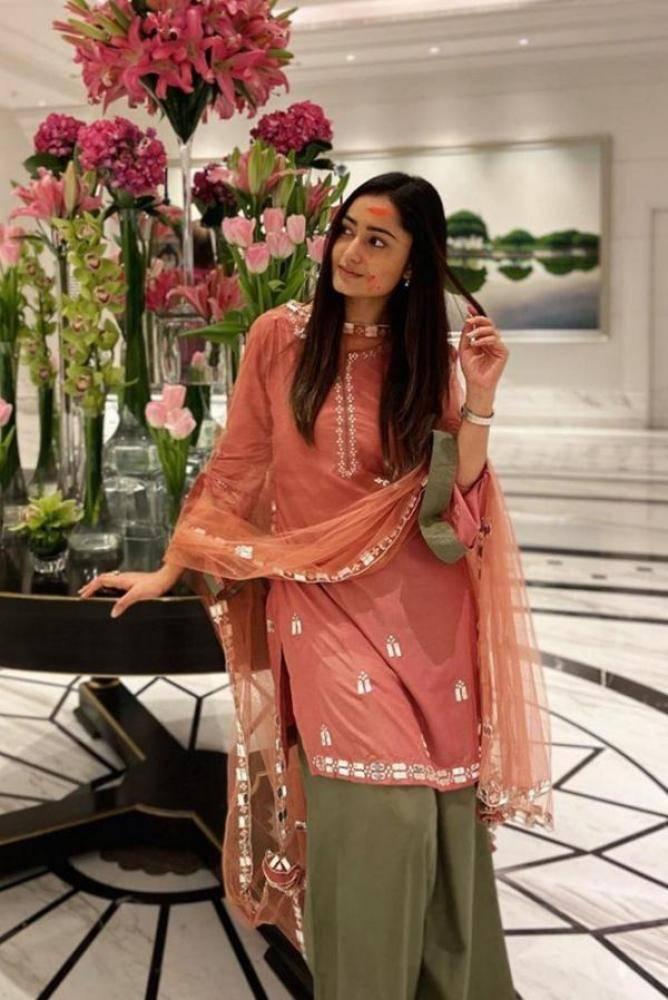 Tridha Choudhury - Photos Stills Images