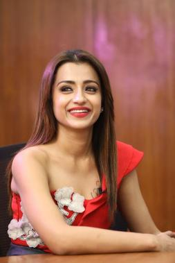 Trisha at Mohini press meet