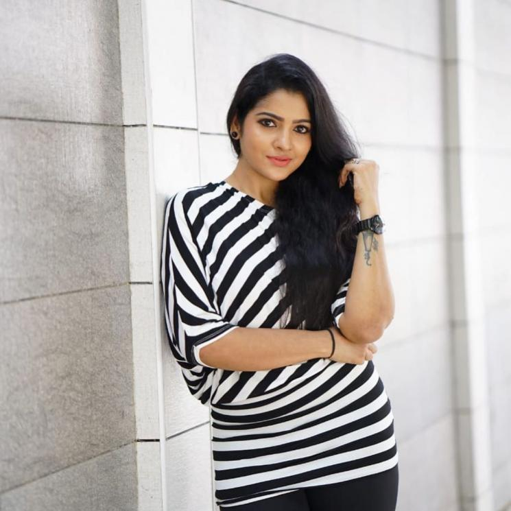 Pandian Stores Vj Chitra Joins Twitter