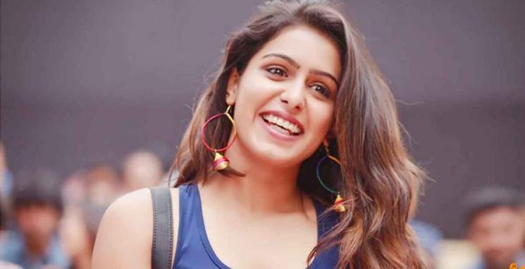 Comali Actress Samyuktha Hegde Wishes Vijay With Vaathi Coming Dance