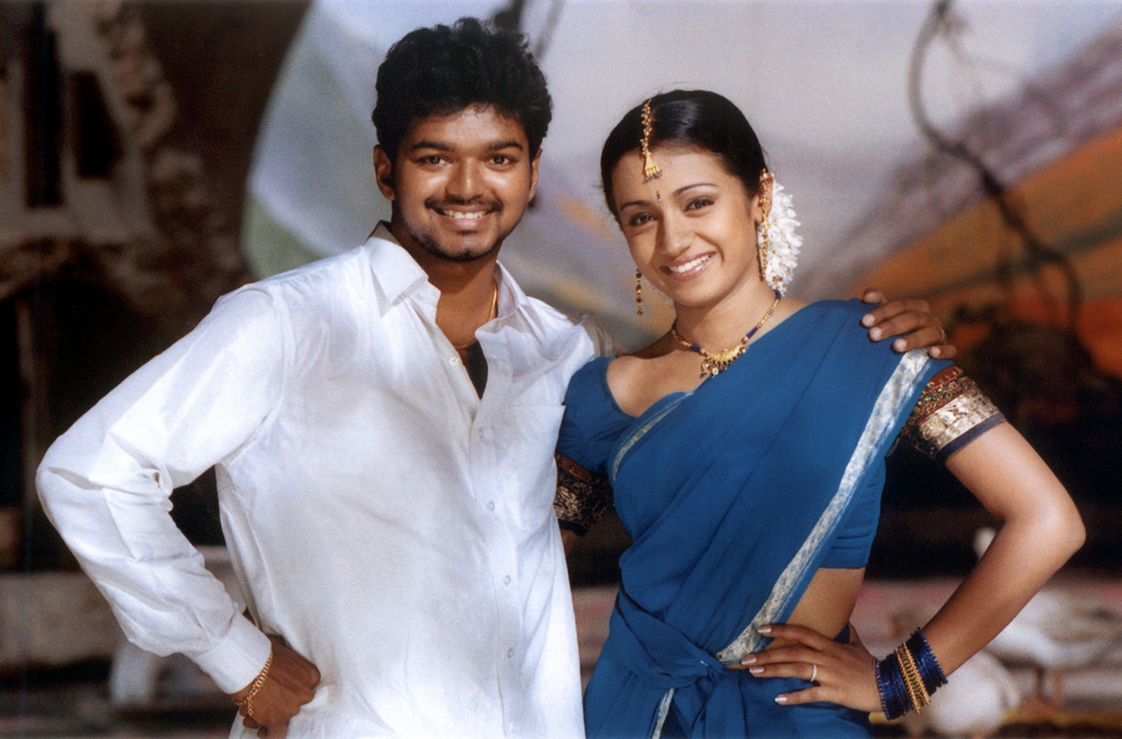 Thalapathy Vijay and Trisha in Ghilli