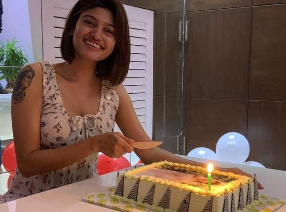 Oviya Birthday