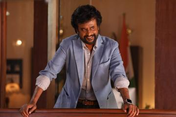 Rajinikanth's Darbar motion poster - mass announcement!
