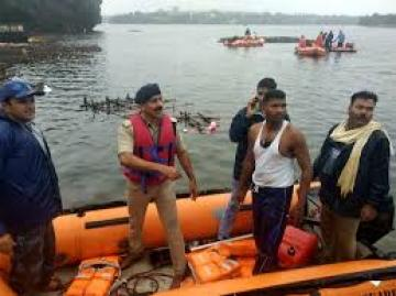 11 killed as boat capsizes in Madhya Pradesh