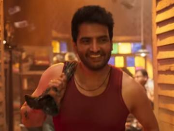 Santhanam Dagaalty teaser released with movie releasing in December