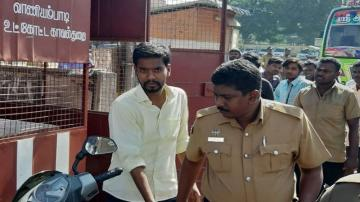 vellore youth molesting runing bus police arrested