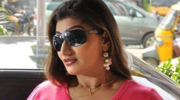 Tamil Nadu Woman attacks Chennai policeman