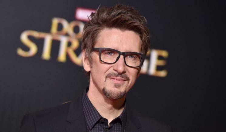 Director Scott Derrickson walks out of Marvel Doctor Strange in the Multiverse of Madness Benedict Cumberbatch