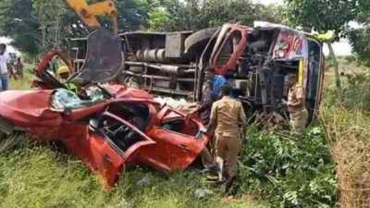 four poeple dead in Ulundurpettai after car collision with bus
