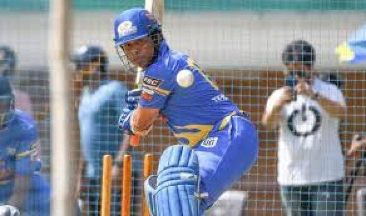 Sachin & Sehwag lead India legends to victory in T20