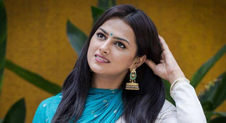 Nerkonda Paarvai Shraddha Srinath launches cafe restaurant