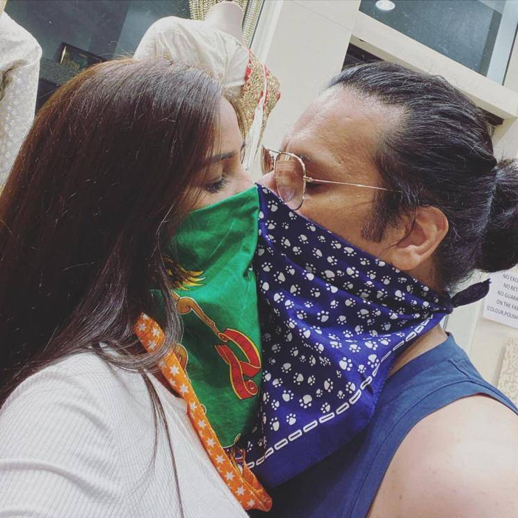 Poonam Pandey corona kiss picture with boyfriend Sam Bombay goes viral