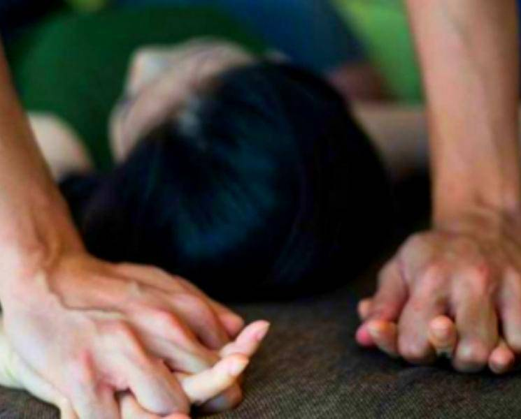 College girl commites suicide after rape
