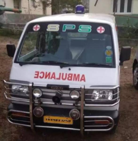 Coronavirus TN lockdown Woman transport vegetables in ambulance