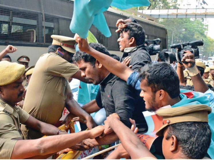 Erode people protest against cremation of person who died due to fever