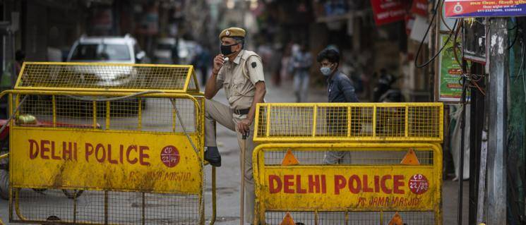 Three Delhi cops suspended for lying contact with corona patient