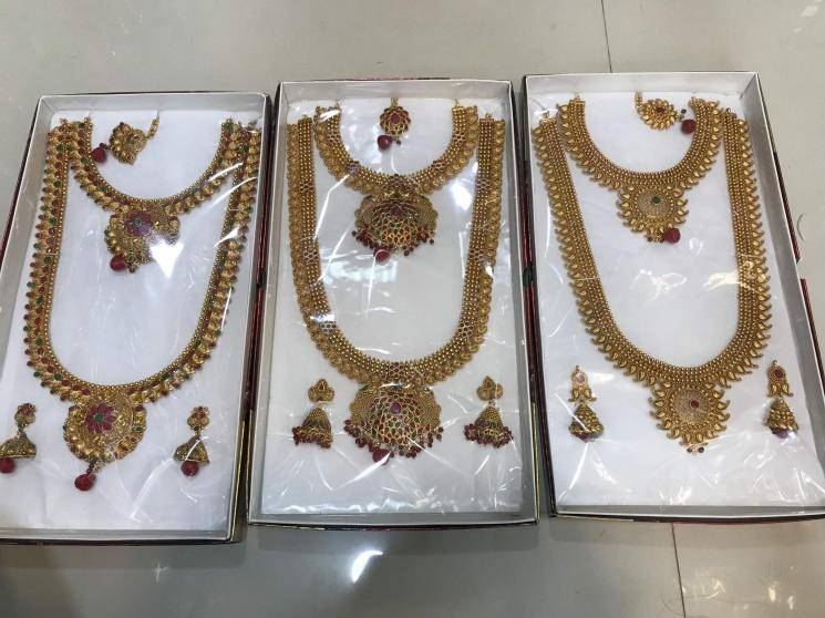 Coronavirus lockdown Jaipur jeweller sells vegetables to survive