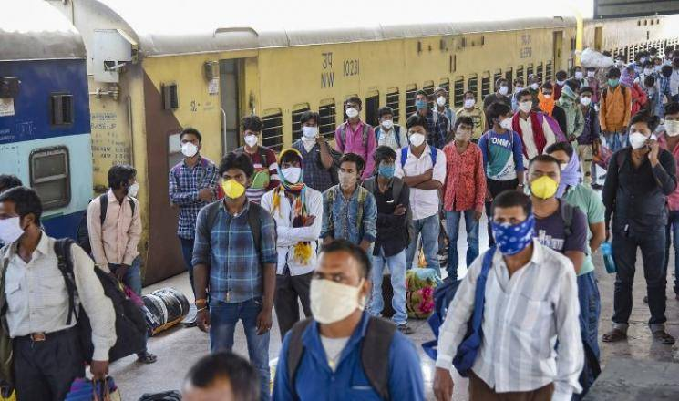 Coronavirus lockdown Indian Congress to pay migrants train fares